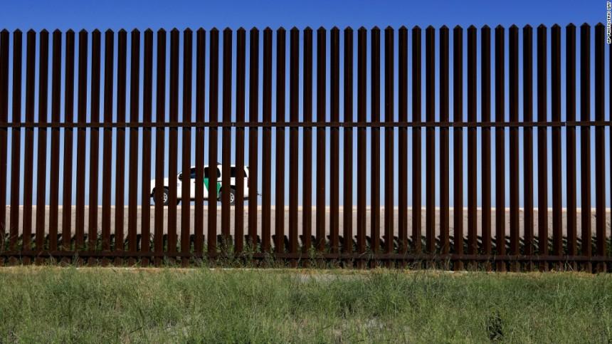 170215121300-trump-border-wall-brownsville-super-tease